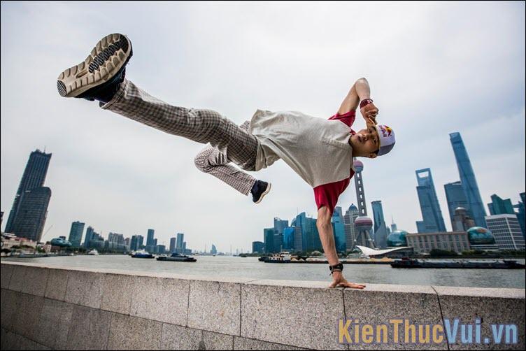 Một vài động tác nhảy cơ bản của Breakdance