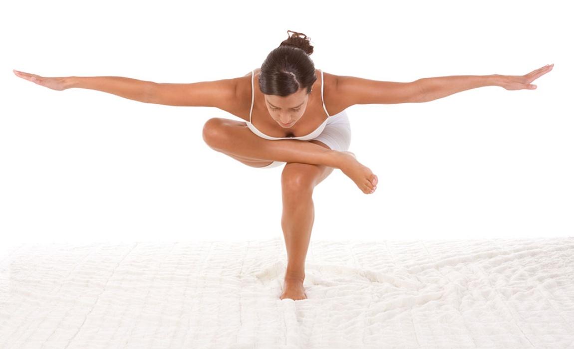 Động tác thăng bằng trong Yoga