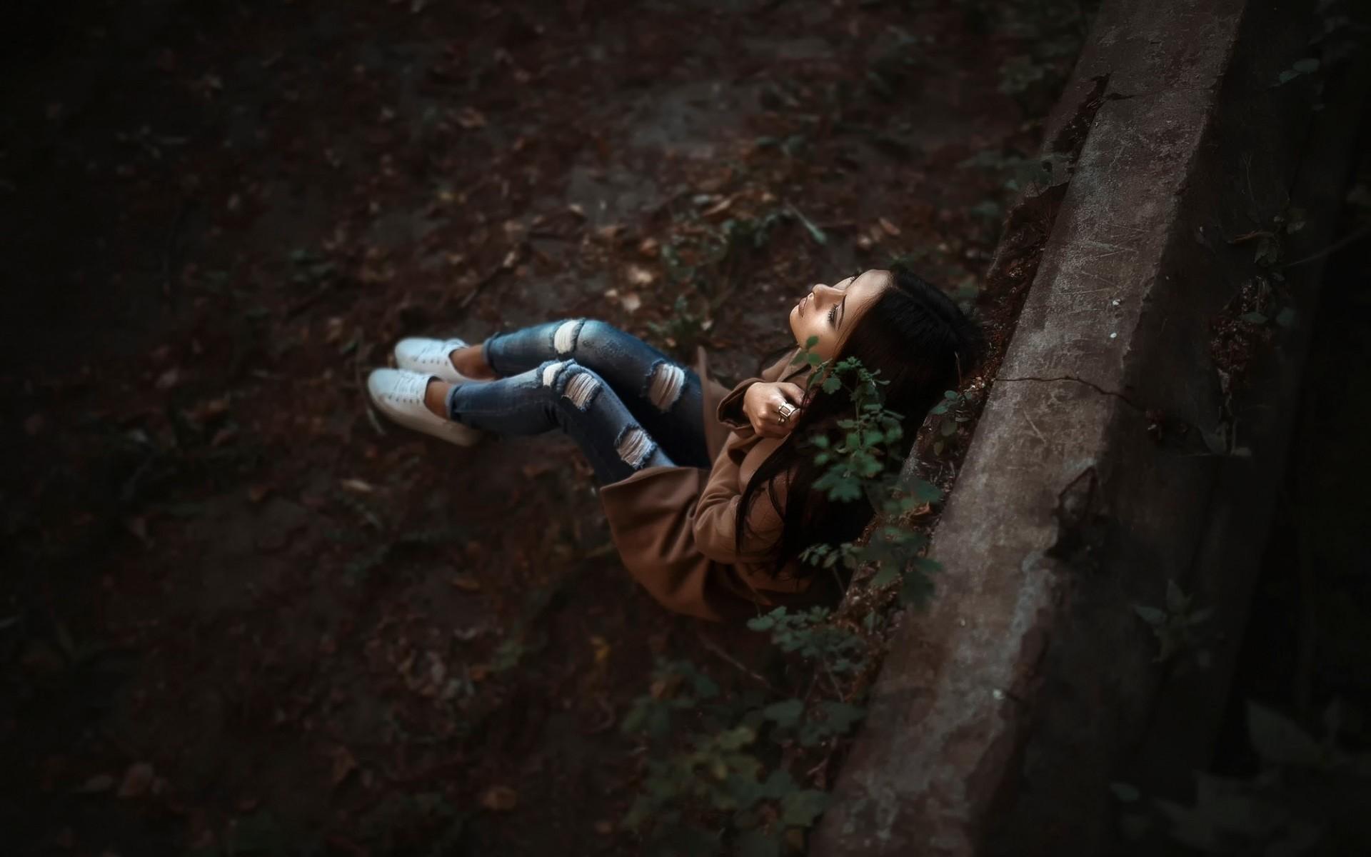 Hình ảnh cô đơn, đau khổ đẹp