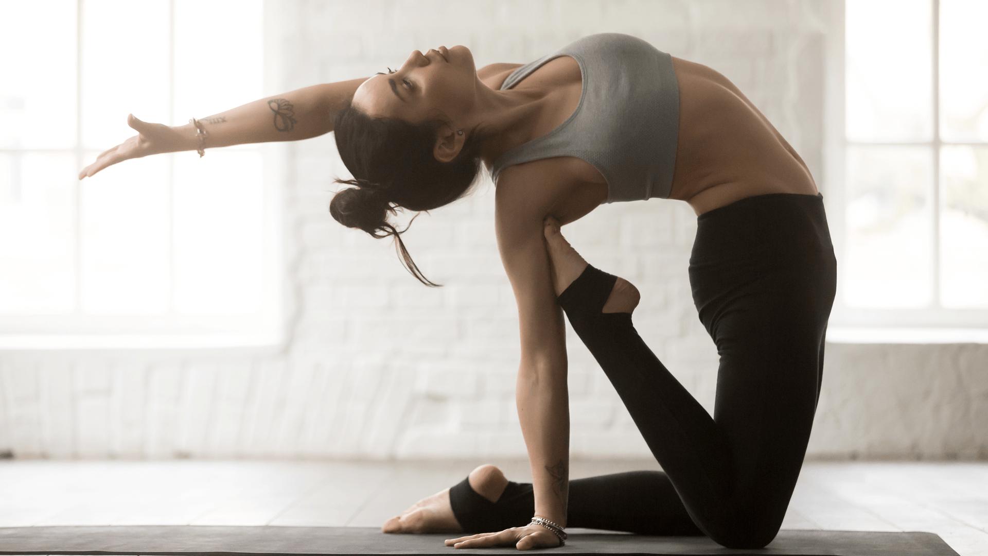 Tư thế ngã sau trong Yoga