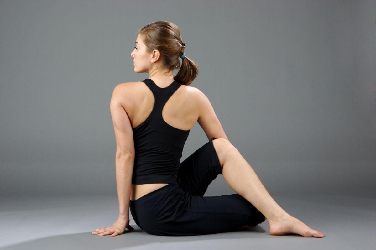 Tư thế vặn mình trong Yoga