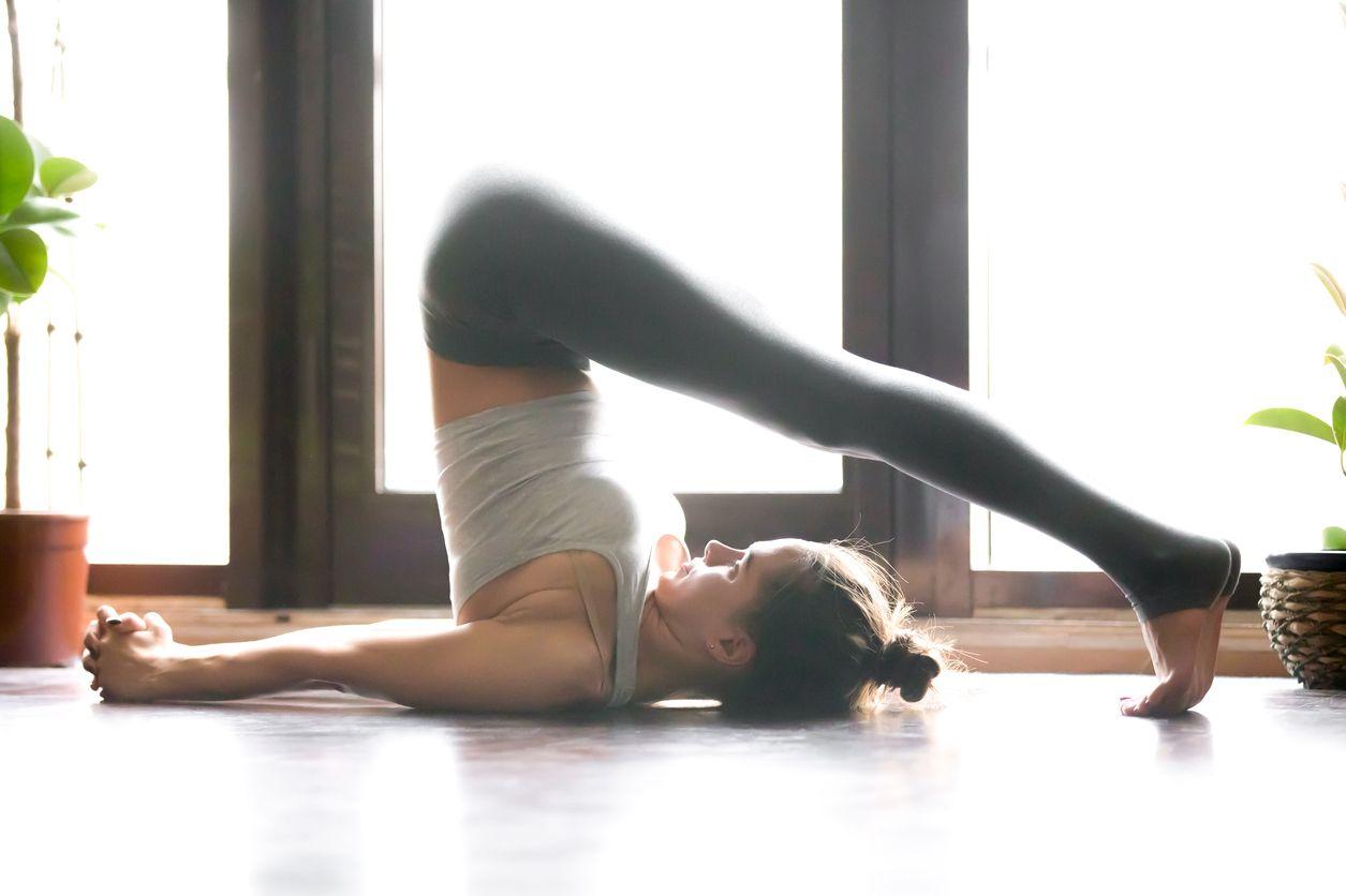 Tư thế Yoga cái cày