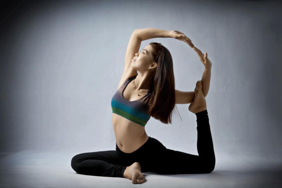 Tư thế yoga chim bồ câu mức độ nâng cao