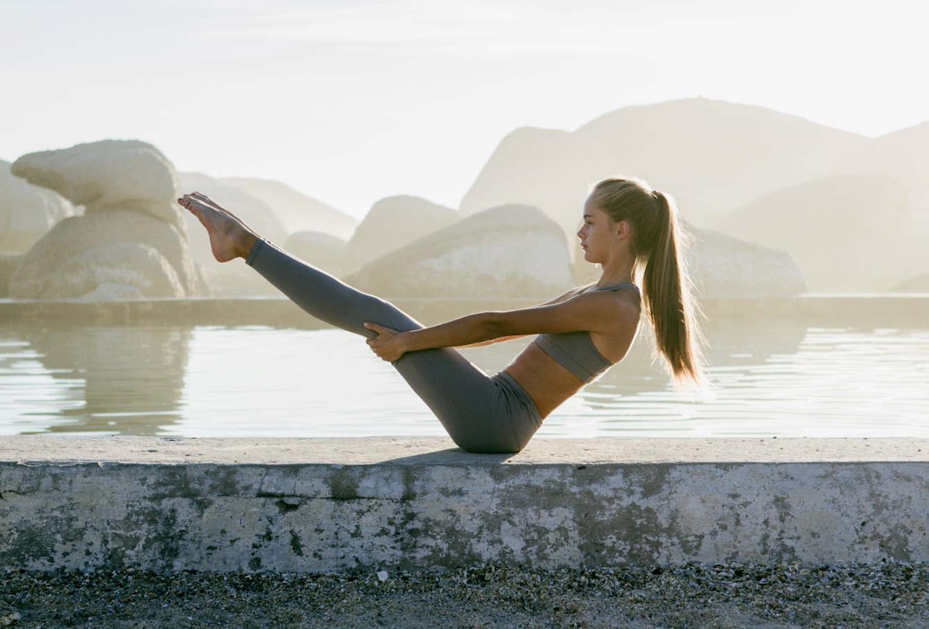 Tư thế Yoga con thuyền đẹp nhất