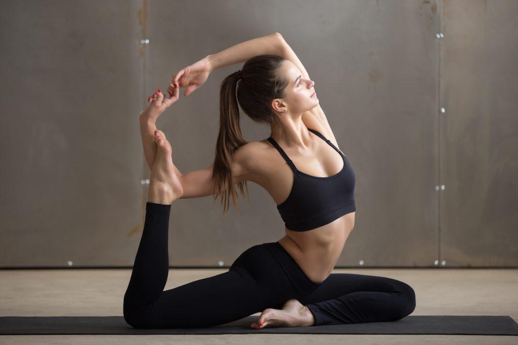 Tư thế Yoga nàng tiên cá đẹp mắt