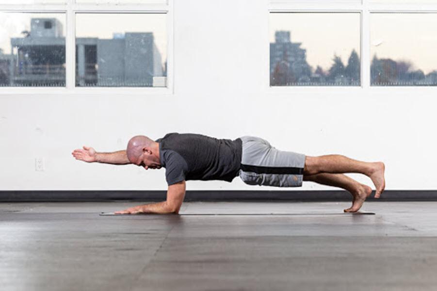 Tư thế Yoga tấm ván biến thể