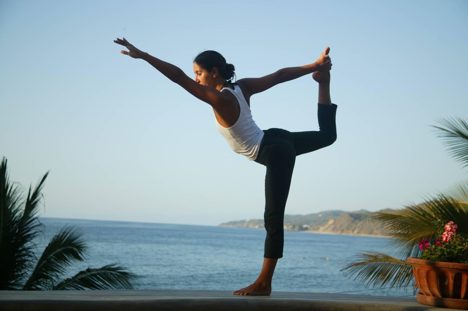 Tư thế Yoga vũ công