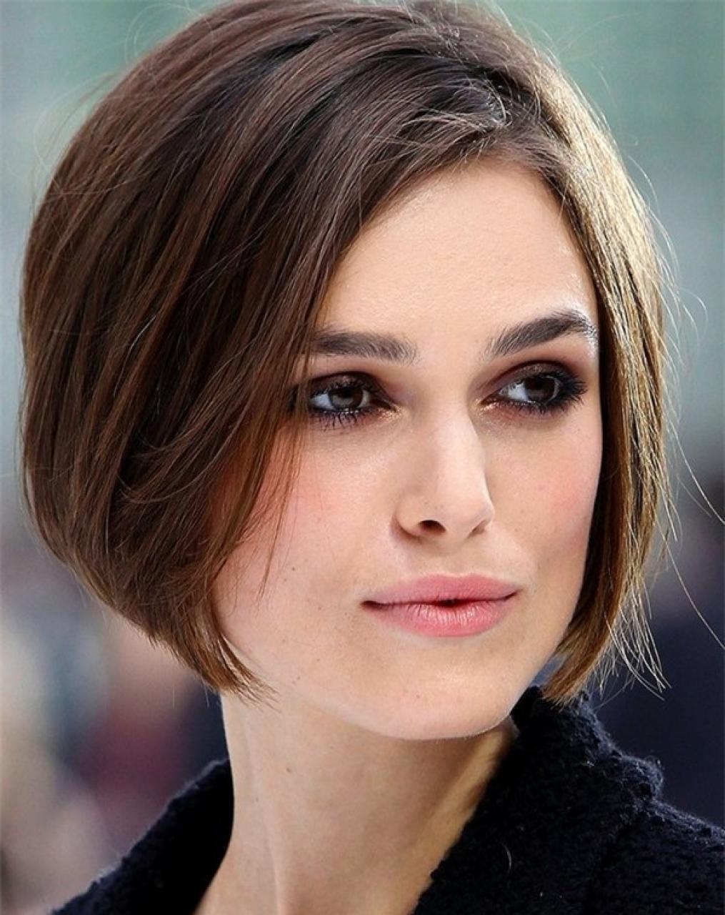 Kiểu tóc ngắn dành cho mặt vuông tròn