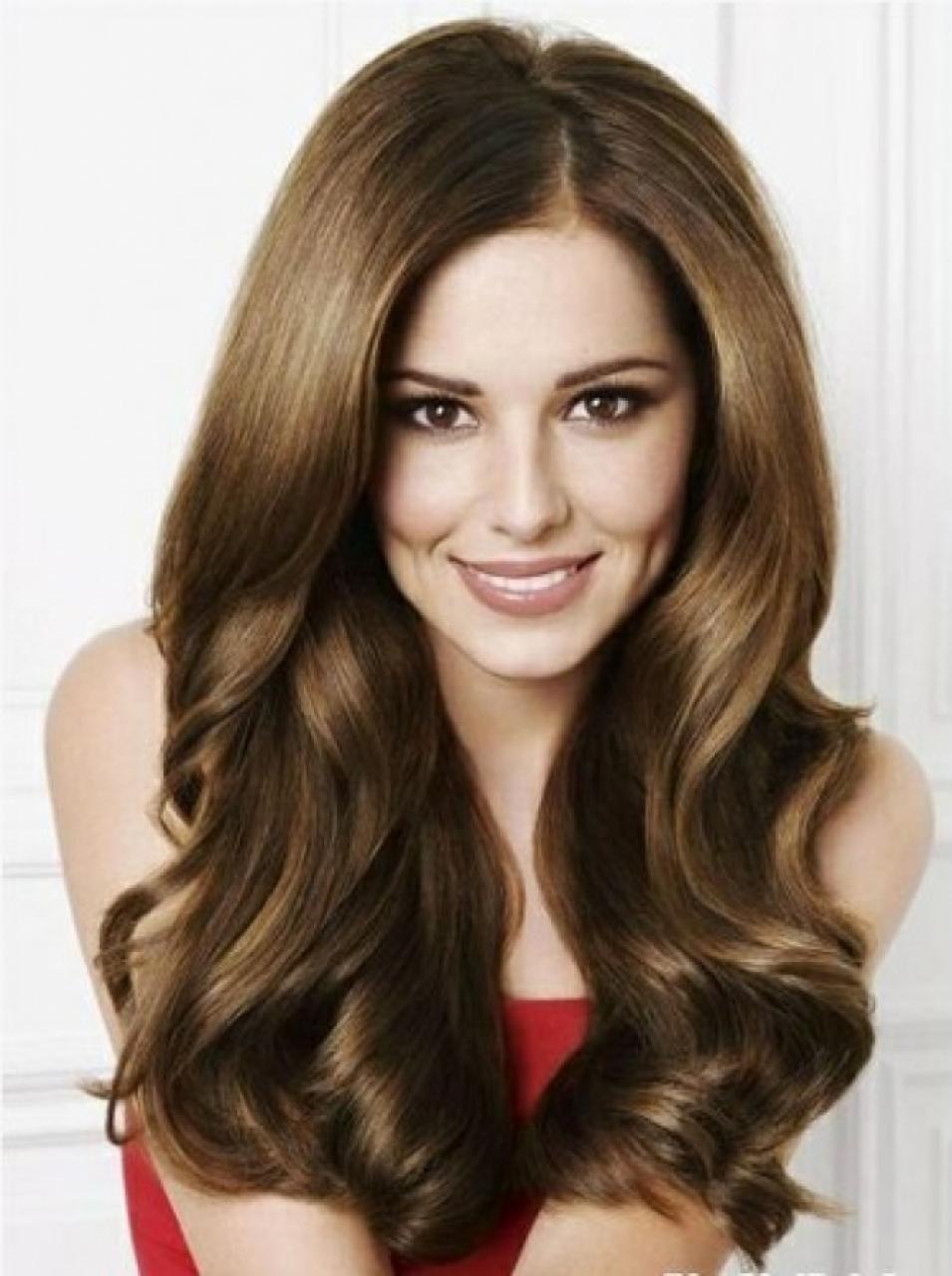 Kiểu tóc dài xoăn lọn bồng bềnh đẹp nhất