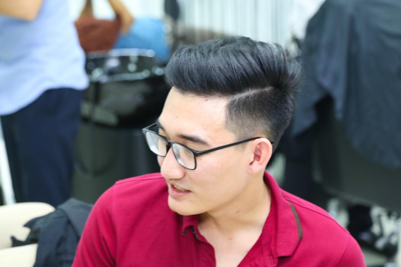 Kiểu tóc rẽ ngôi lệch cho nam hàn quốc