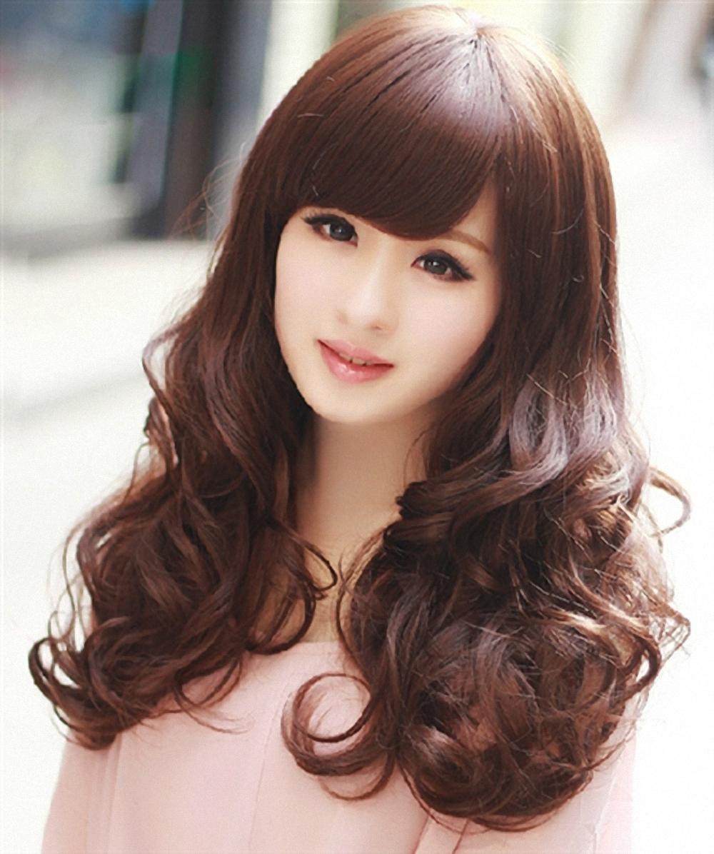 Những kiểu tóc xoăn sóng nước lọn to mái dài