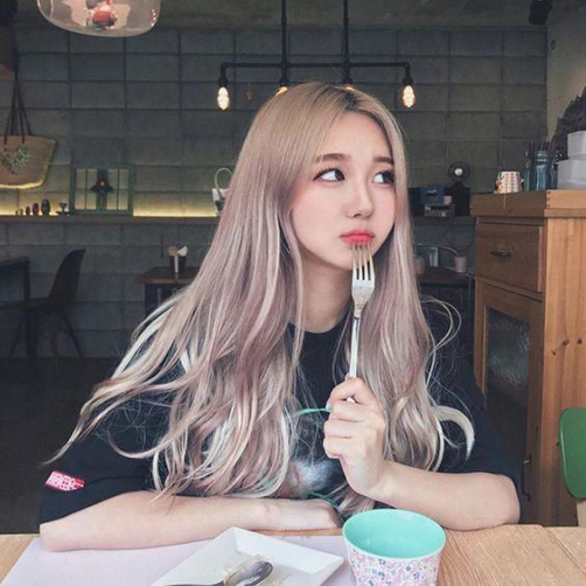 Ảnh màu tóc bạch kim ánh hồng Pastel cho nữ