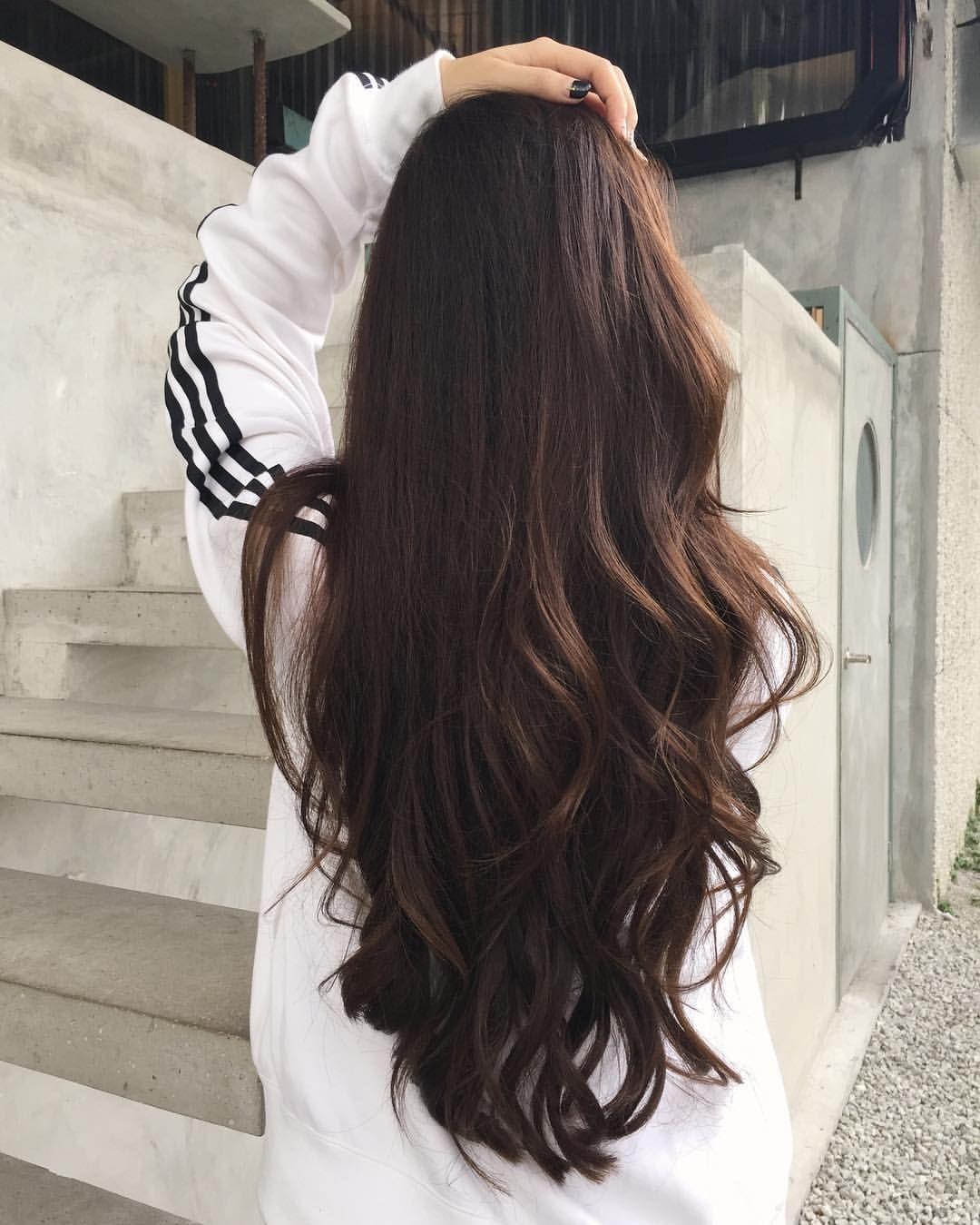 Ảnh tóc dài ngang lưng uốn đuôi đẹp