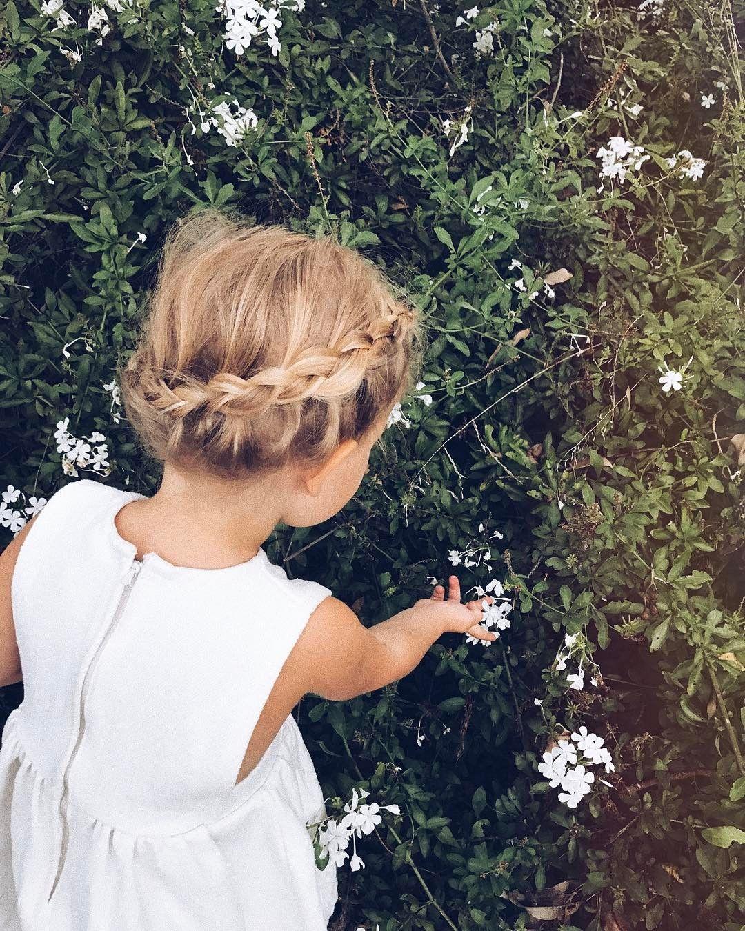 Kiểu buộc tóc điệu đà cho các bé gái