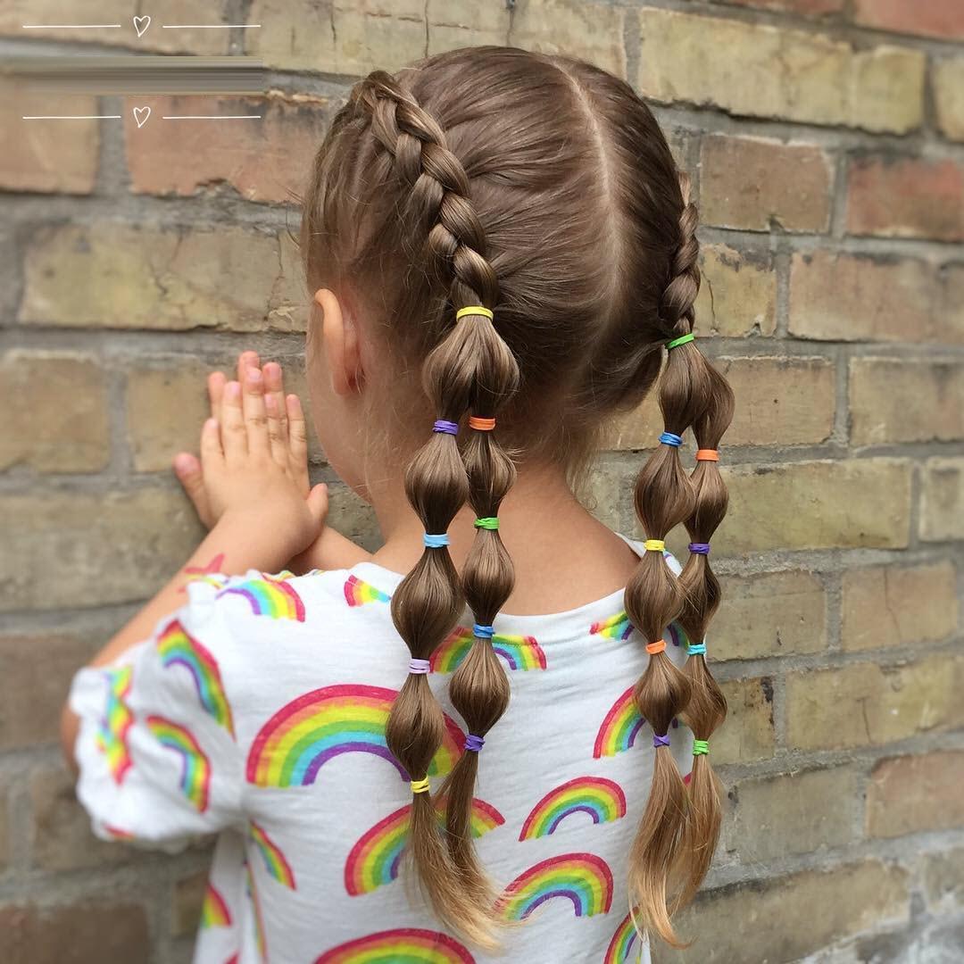 Kiểu buộc tóc đơn giản cho bé gái tóc dài