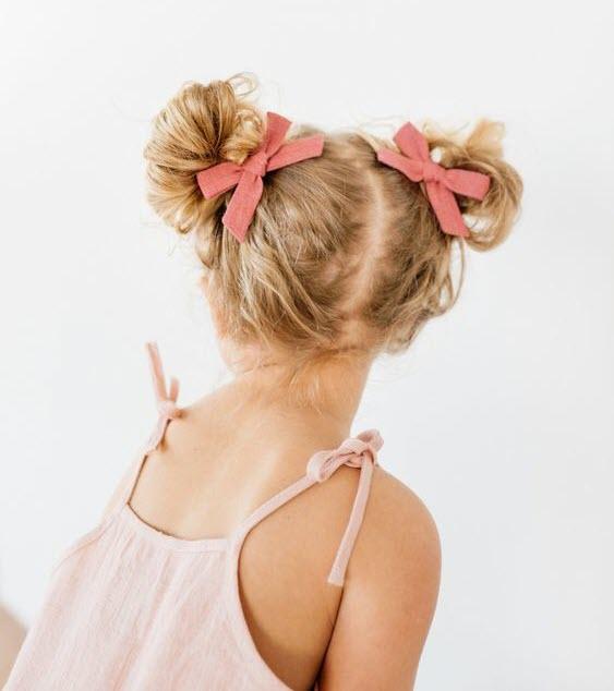 Kiểu buộc tóc hai bên dễ thương nhất