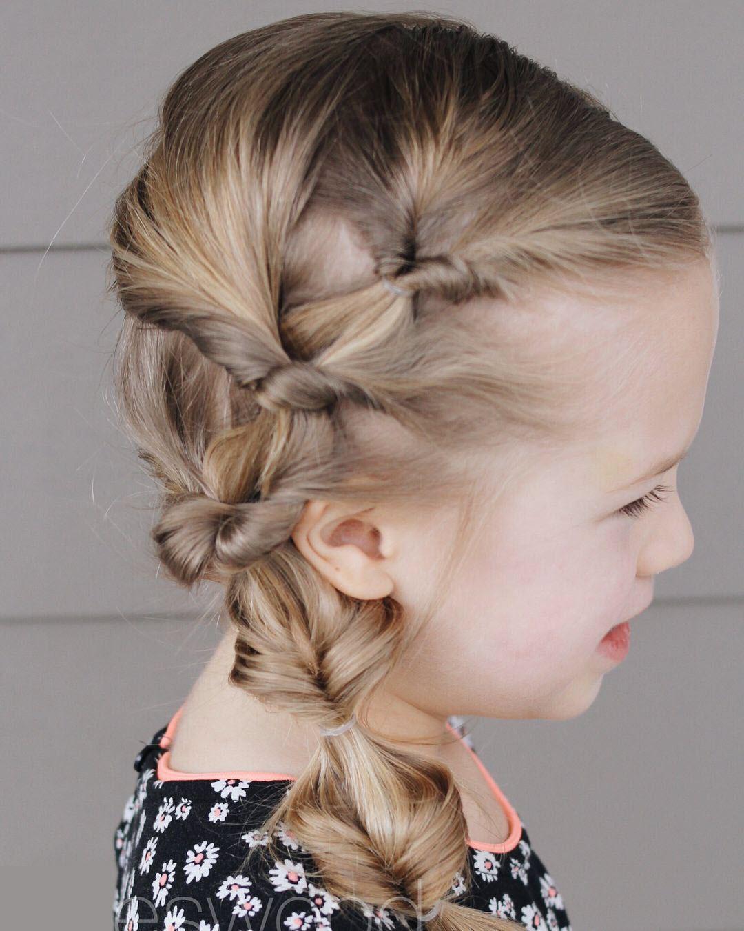 Kiểu buộc tóc lệch đẹp cho bé gái