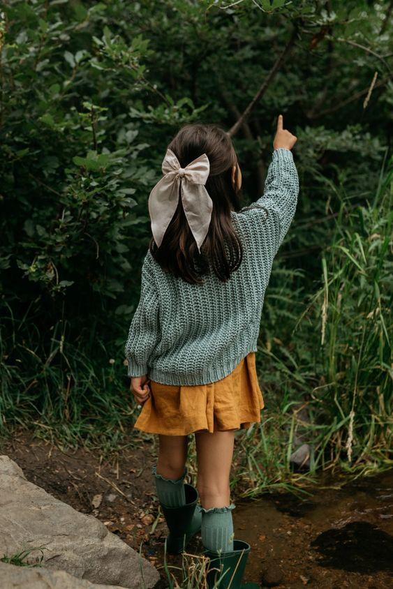 Kiểu buộc tóc với nơ cho bé gái dễ thương nhất