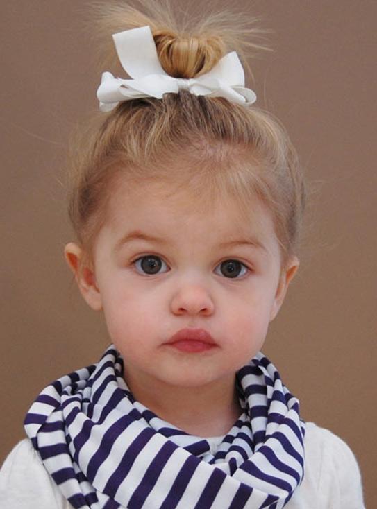 Kiểu cột tóc cho bé gái cực xinh