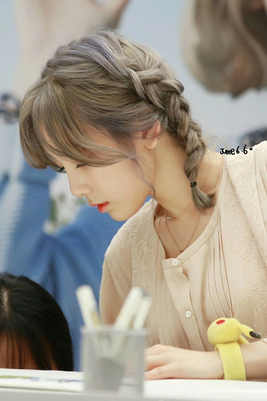 Kiểu tóc dễ thương đi học