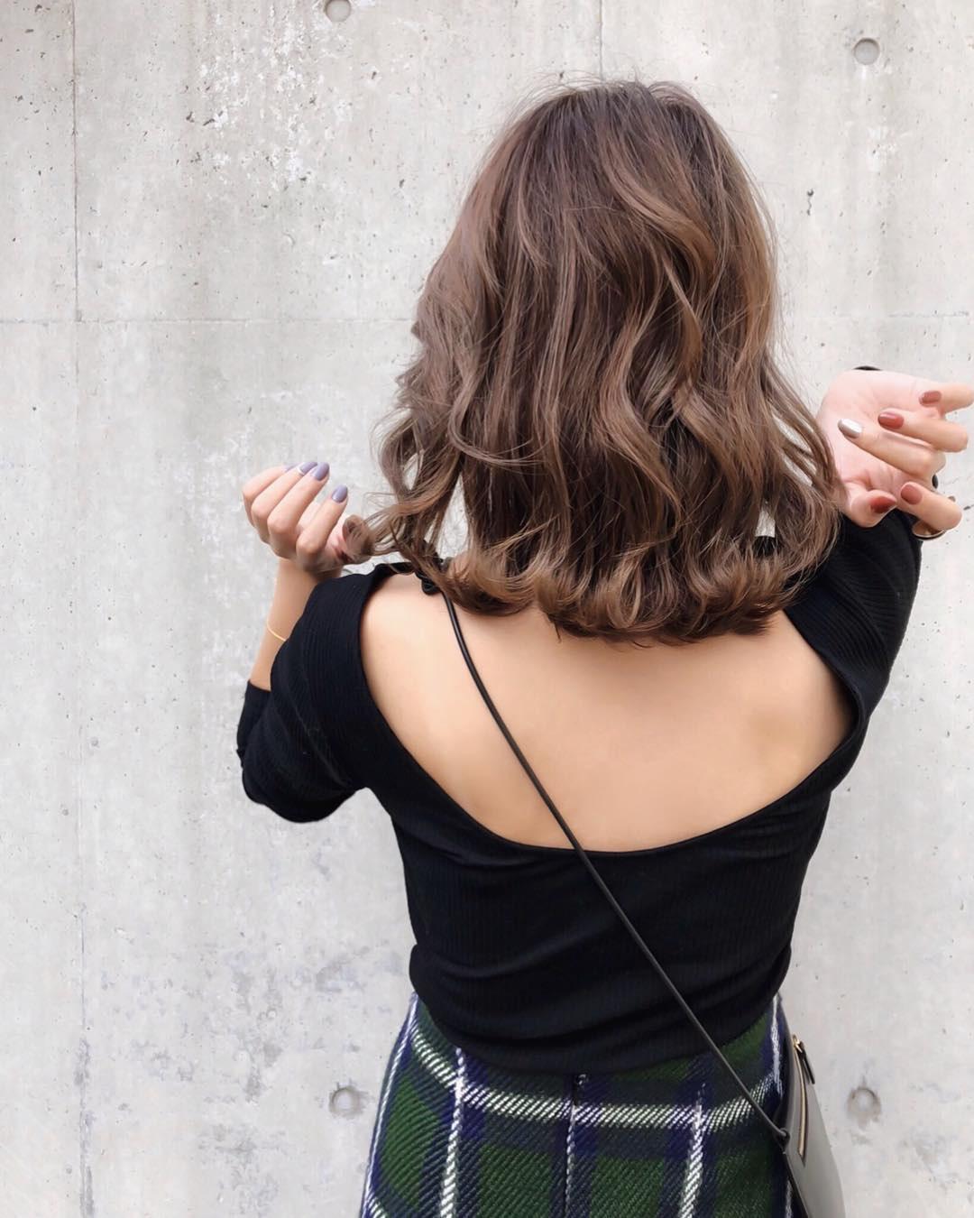 Kiểu tóc ngắn uốn lọn đẹp nhất