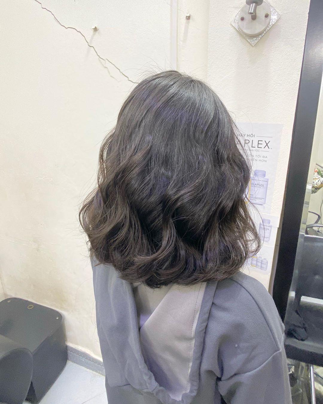 Kiểu tóc ngắn xoăn sóng đẹp