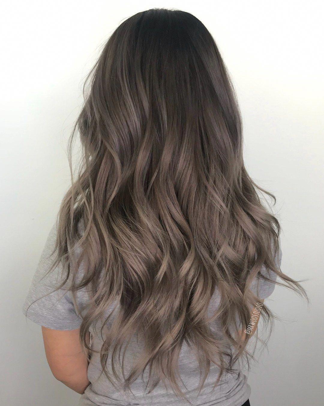 Kiểu tóc ngang lưng uốn sóng nước đẹp