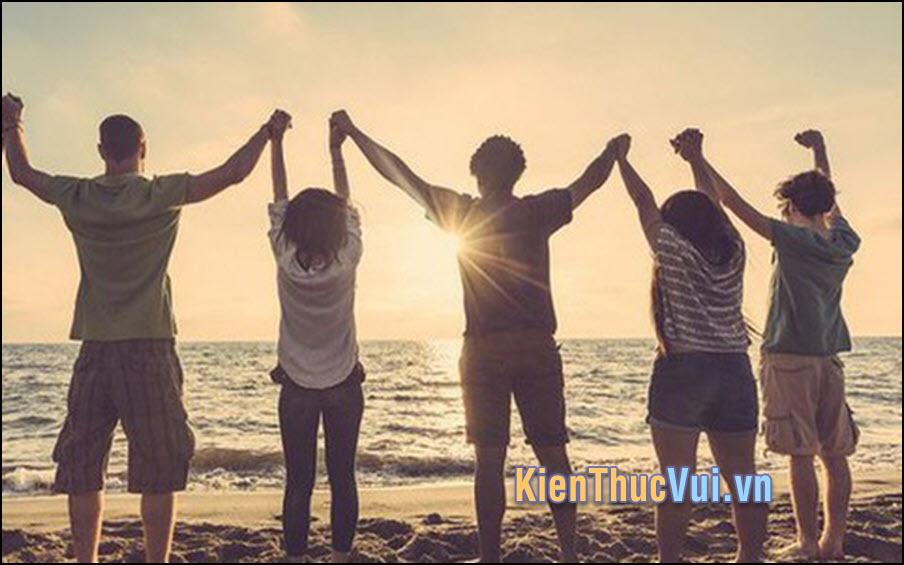 Bạn bè dù thân đến mấy ai rồi cũng sẽ có cuộc sống riêng