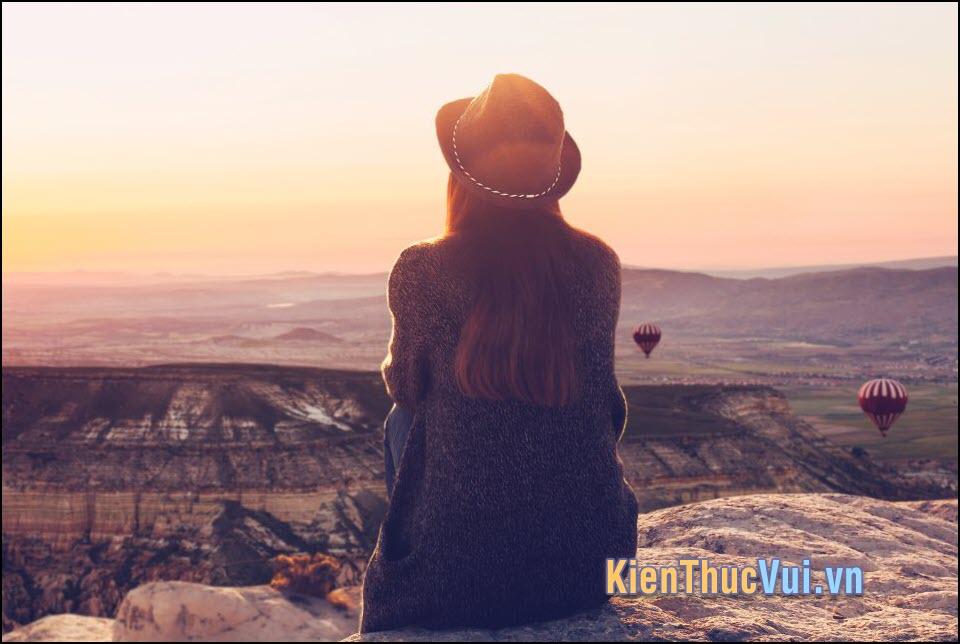 Thật đáng sợ nếu bỗng dưng một ngày mình thức dậy và nhận ra rằng mình không có ai và không còn điều gì để chờ đợi