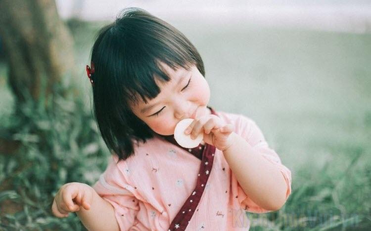 Hình ảnh bé gái dễ thương