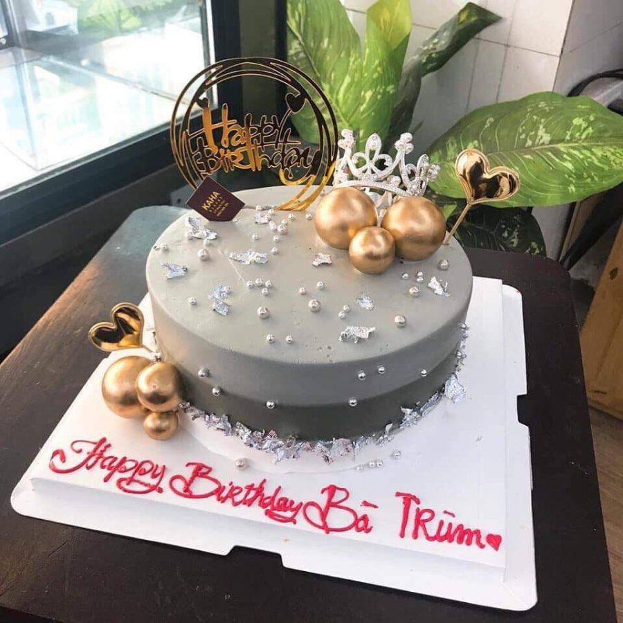 Ảnh bánh sinh nhật trang trí hiện đại