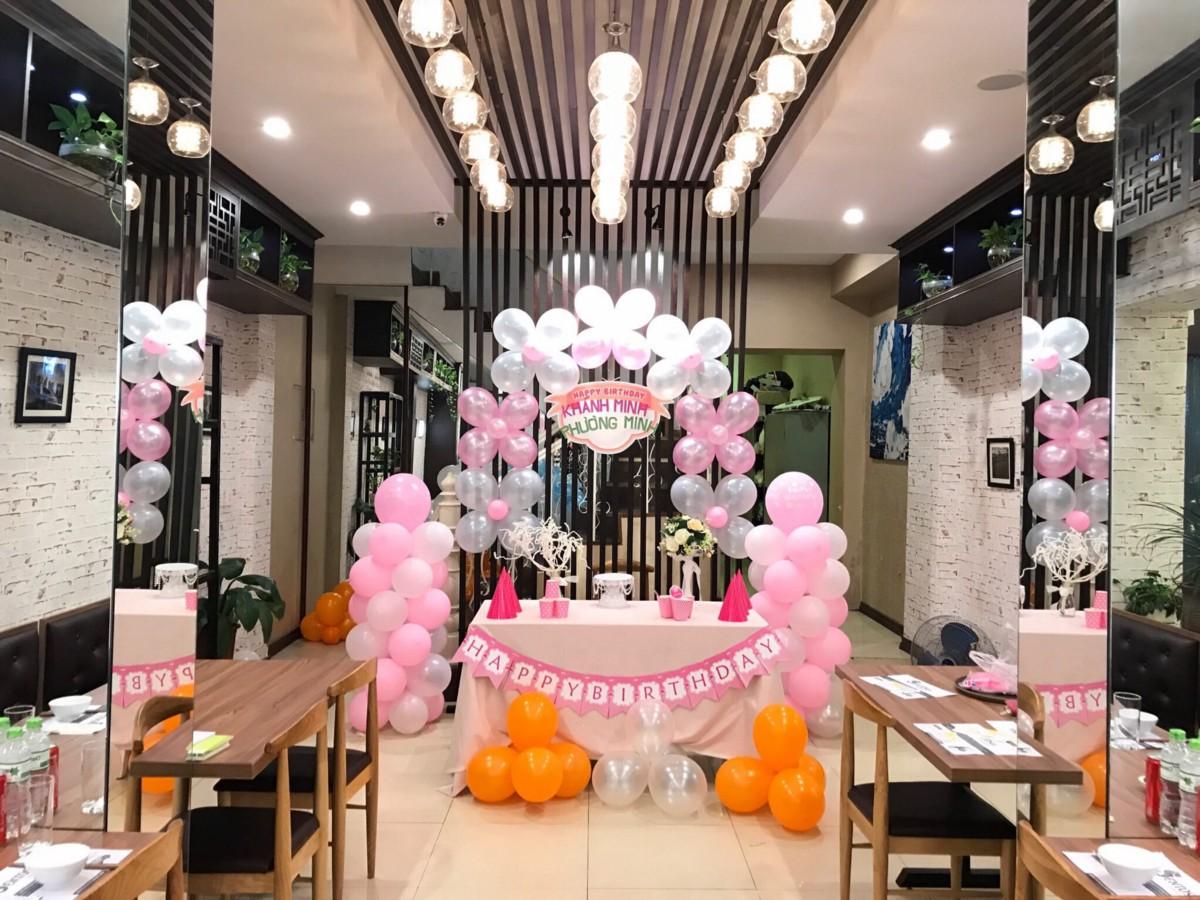 Ảnh tiệc sinh nhật tại nhà hàng
