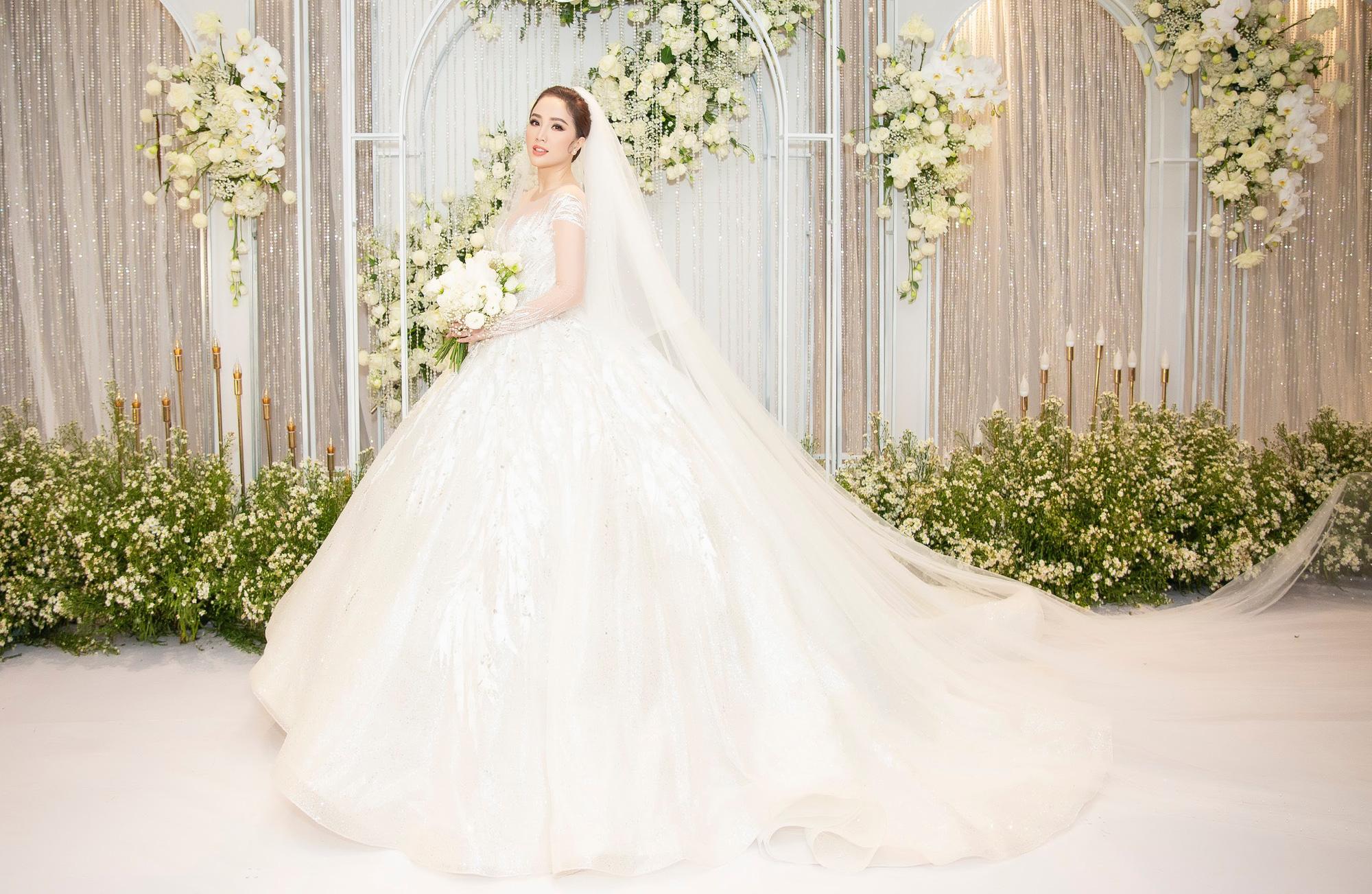 Ảnh cô dâu Bảo Thy lộng lẫy trong bộ váy cưới