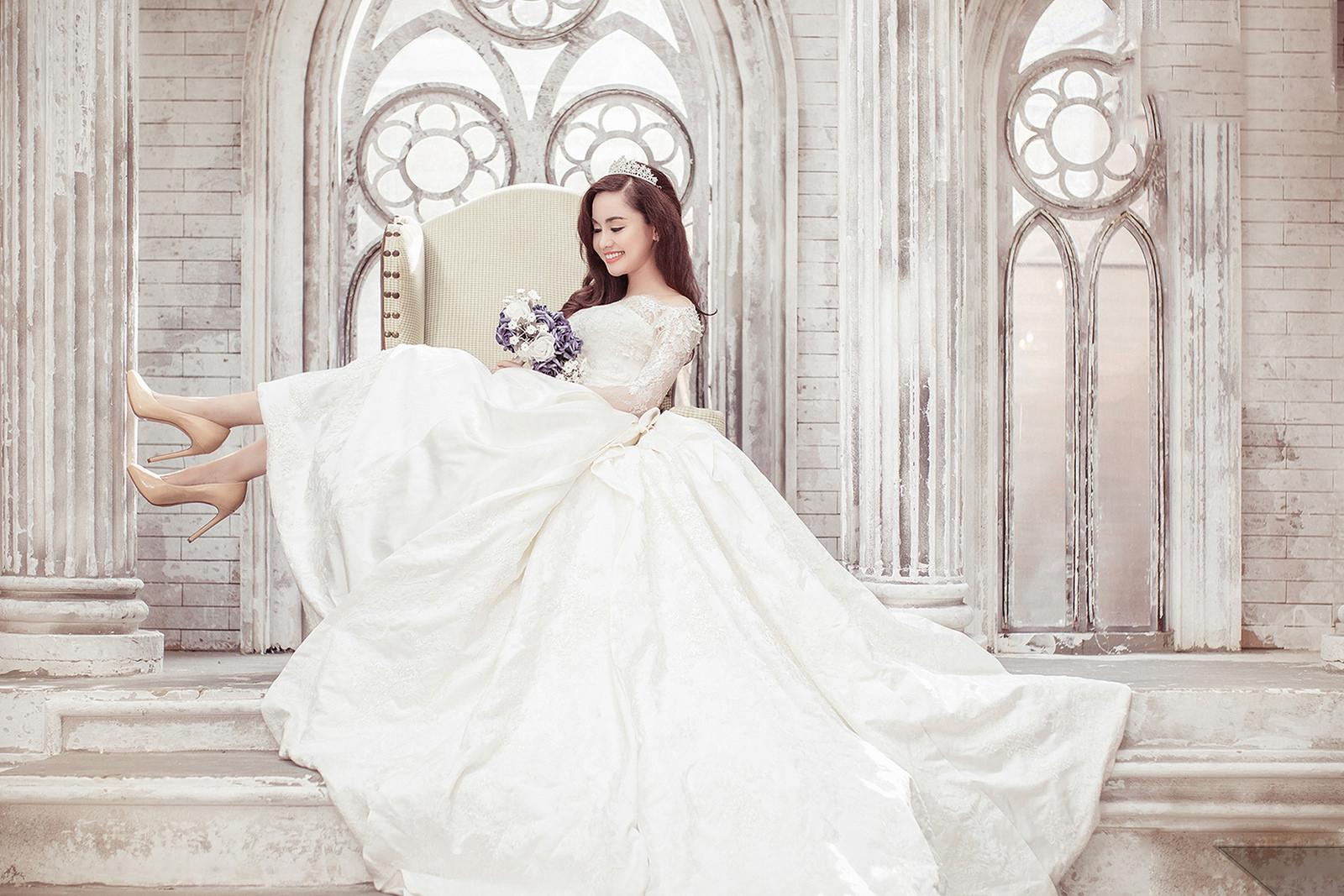 Ảnh cô dâu đẹp dịu dàng trong bộ váy cưới