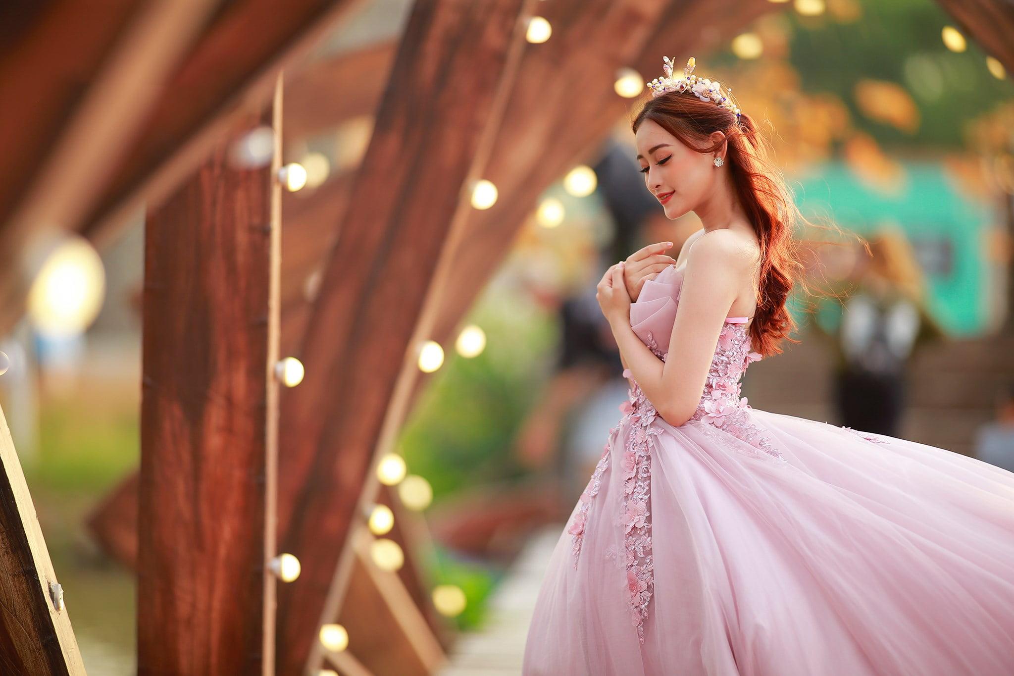 Ảnh cô dâu với mẫu váy cưới đuôi cá