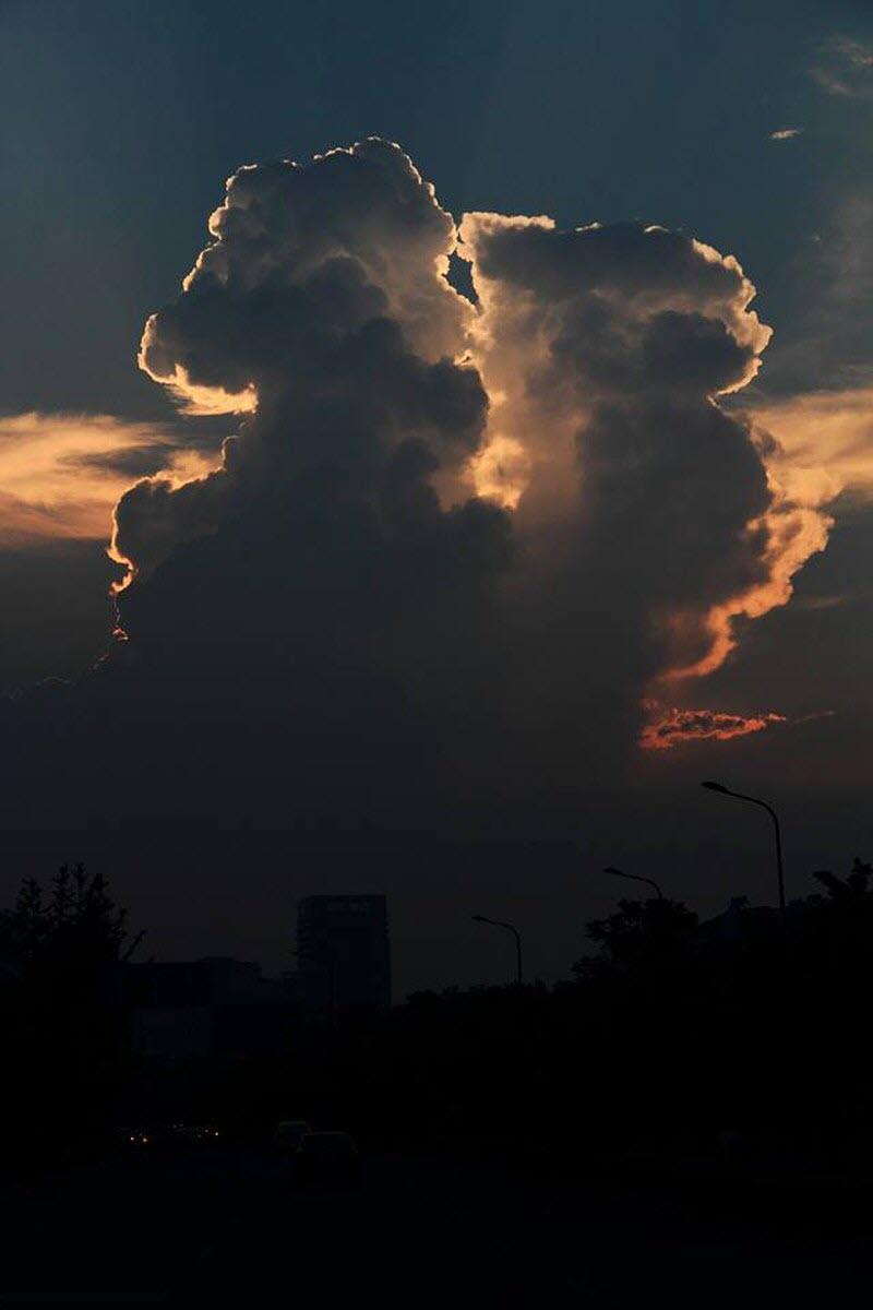 Ảnh đám mây hình thù kỳ lạ đến khó tin