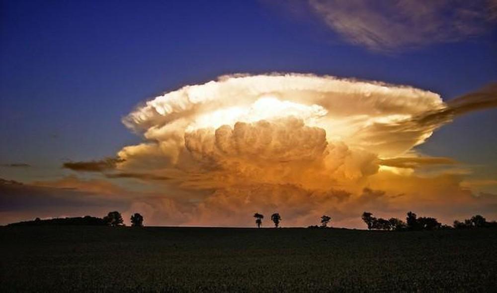 Ảnh đám mây kỳ lạ đẹp không ngờ