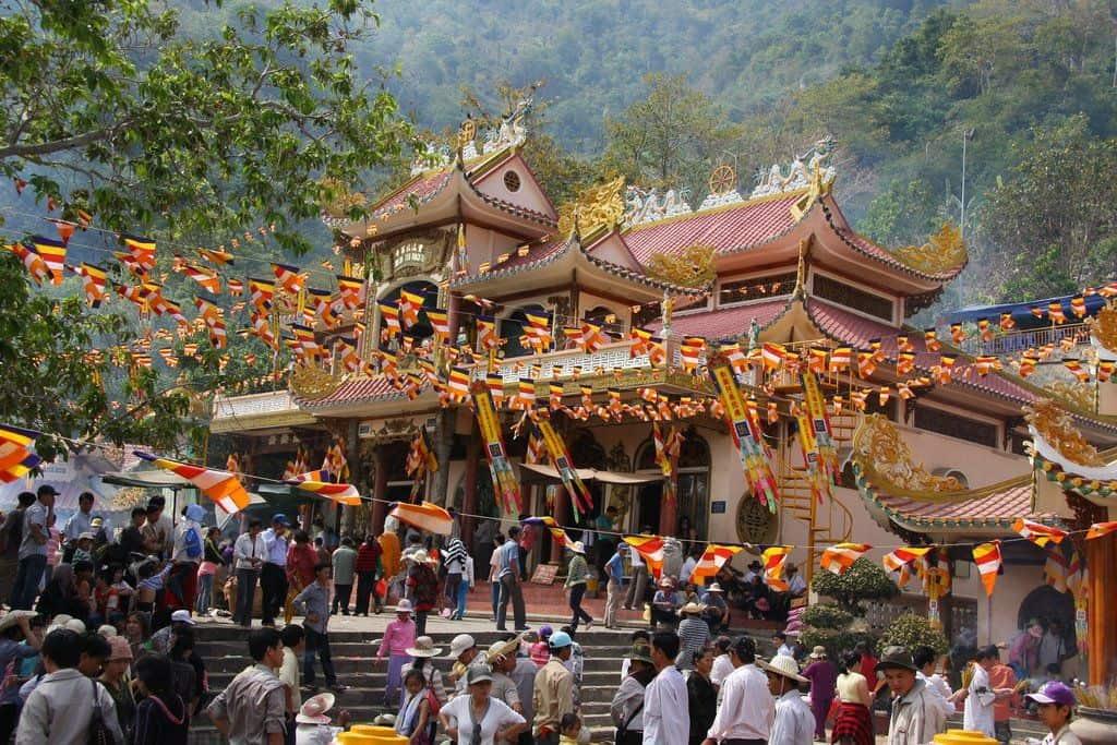 Ảnh lễ hội truyền thống Việt Nam nhân dịp Tết đến xuân về