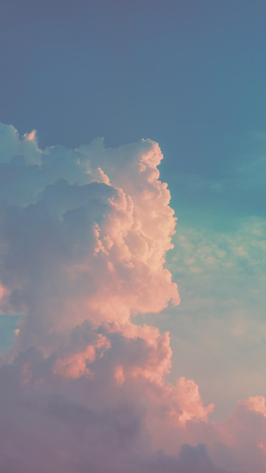 Ảnh mây mang sắc hồng đẹp lạ kỳ