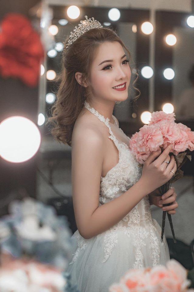Hình ảnh cô dâu xinh đẹp, rạng rỡ trong chiếc váy cưới