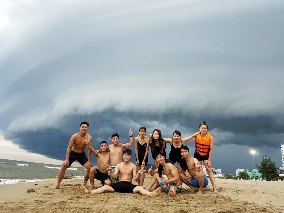 Hình ảnh đám mây kỳ lạ nuốt chửng biển Sầm Sơn