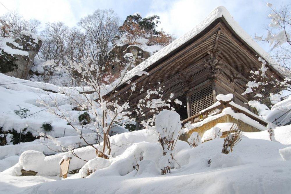 Ảnh chùa Yamadera Nhật Bản vào mùa đông