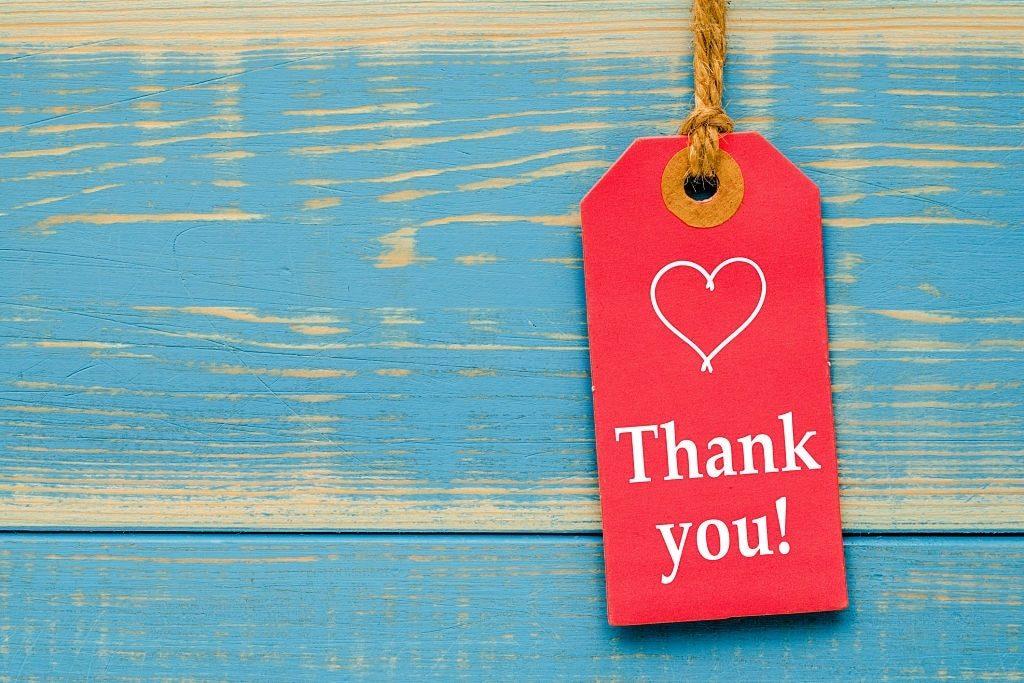 Hình ảnh thẻ chèn sách Thank you cực đẹp