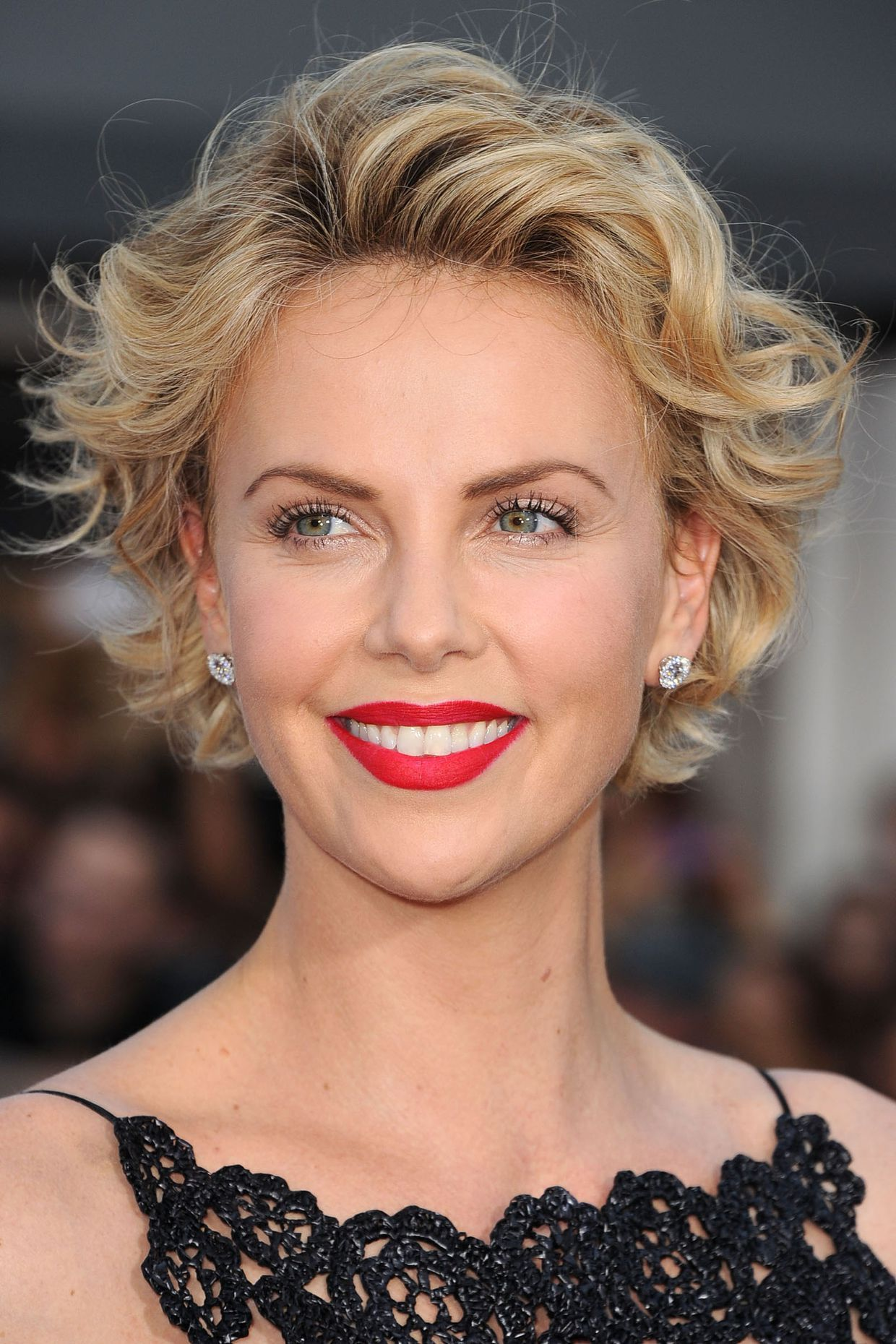 Kiểu tóc đẹp sang cho phụ nữ tuổi 50