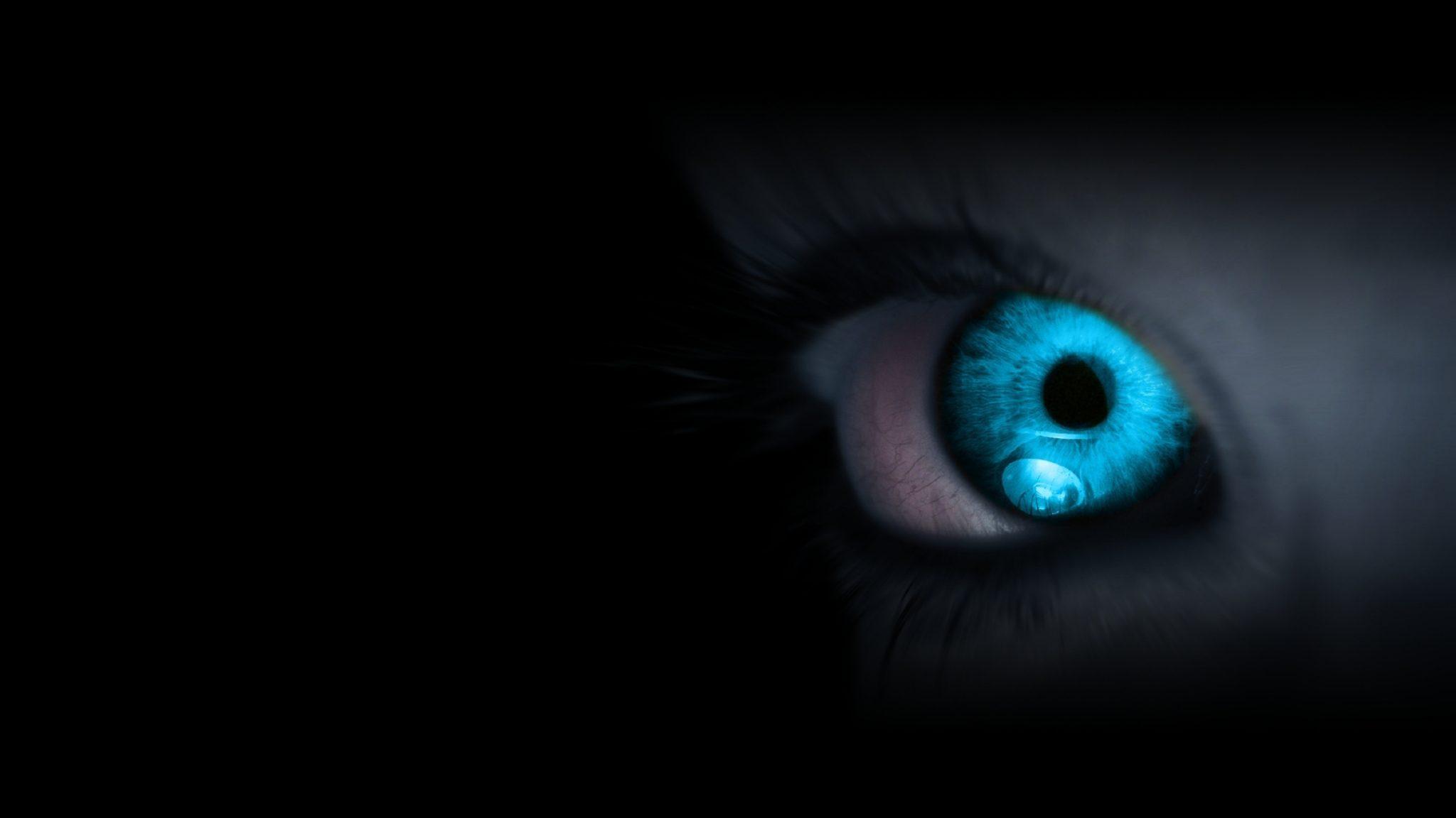 Ảnh nền màu đen con mắt xanh đẹp nhất