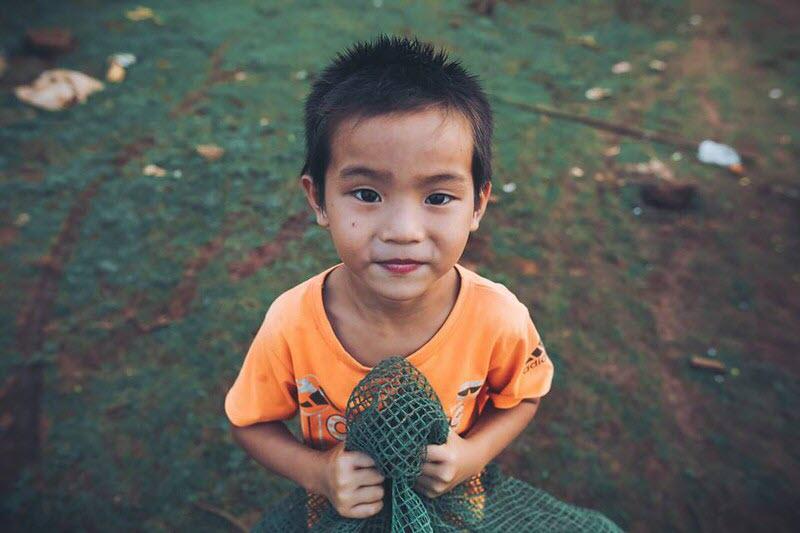 Ảnh đứa trẻ nhà nghèo dễ thương