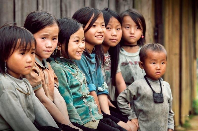 Ảnh trẻ em Việt Nam nghèo nhưng vẫn rạng rỡ, đáng yêu