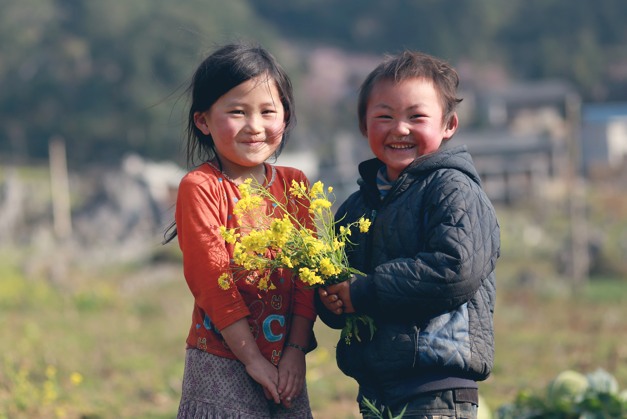 Hình ảnh đáng yêu của những đứa trẻ nhà nghèo vùng cao