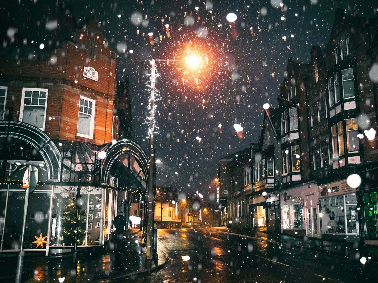 Hình ảnh đêm mùa đông buồn