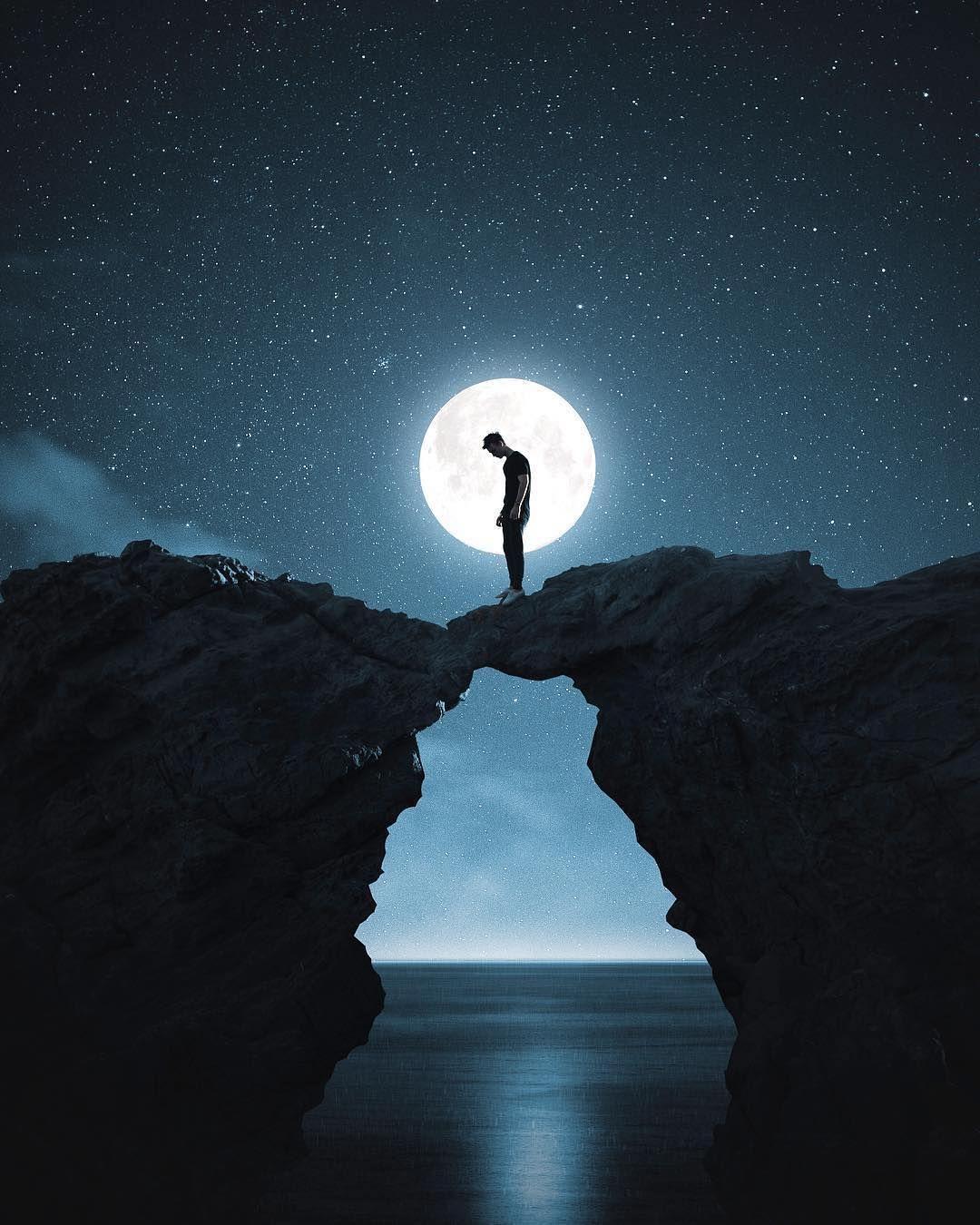 Hình ảnh một mình trong đêm